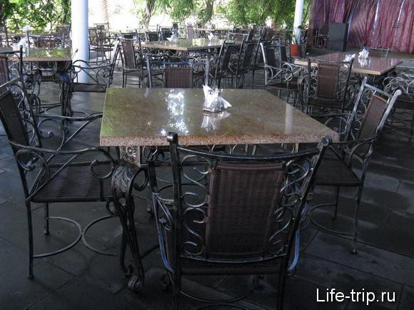 Абхазия. Кафе в Пицунде.