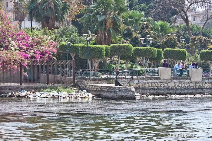 Египет. Каир. Парк на набережной Нила.