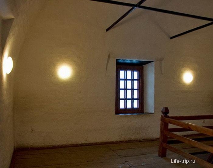 Слуховая комната наклонной башни