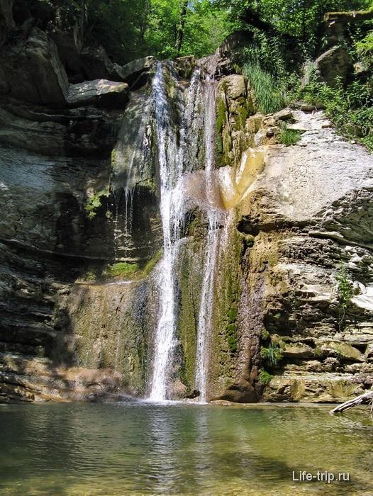 Водопады у верховьев реки Жане.
