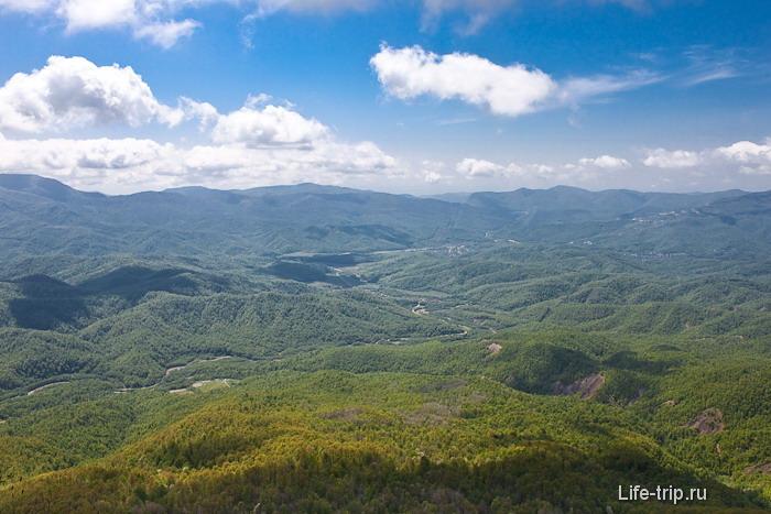 Вид на горы Кавказа в строну Туапсе и села Анастасиевка.