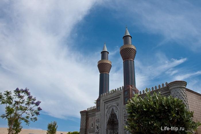 Макет мечети в Мини-сити.
