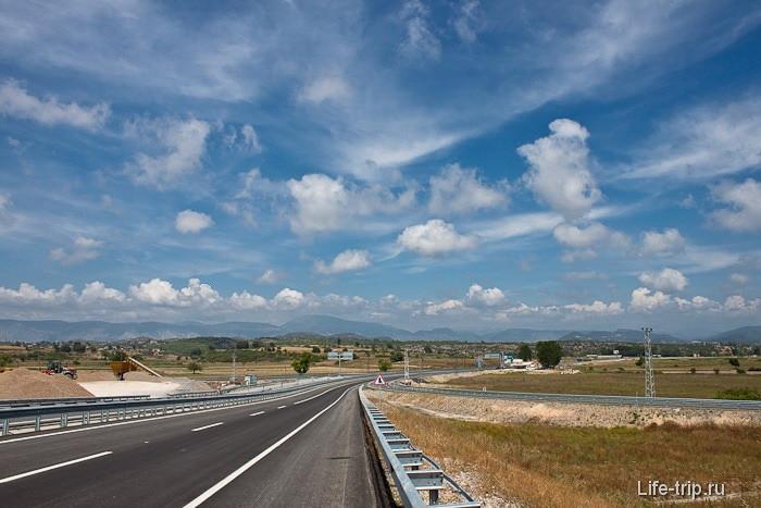Дорога вглубь Турции, в сторону Бейшехира.
