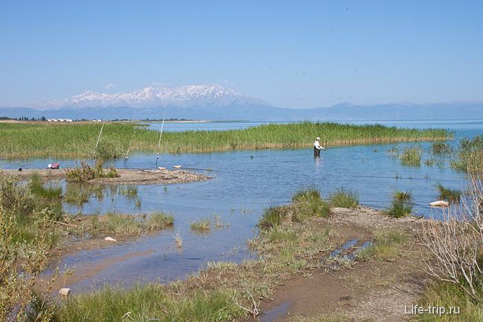Бейшехир - озеро в Турции.