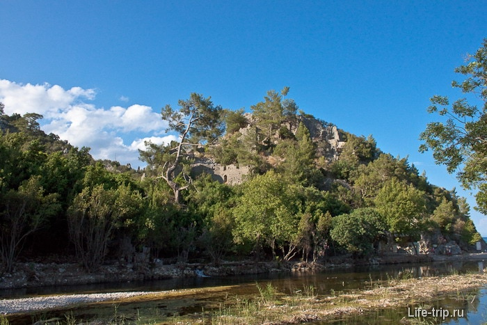 Город Олимпос на левом берегу реки Улупинар.