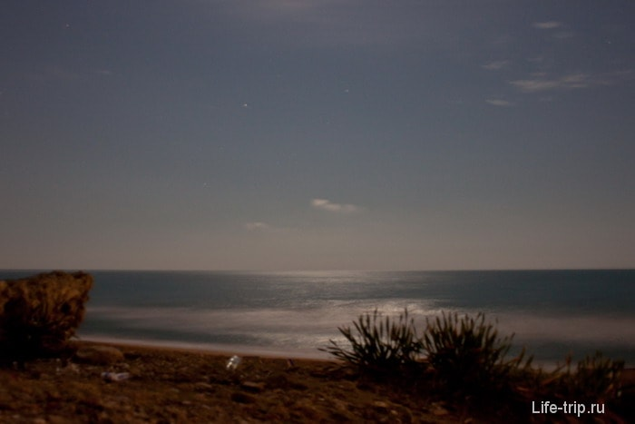 Вид с пляжа Сиде ночью.