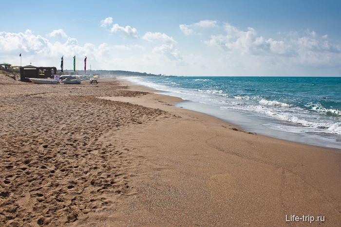 Курортная Турция. Пляжи города Сиде.