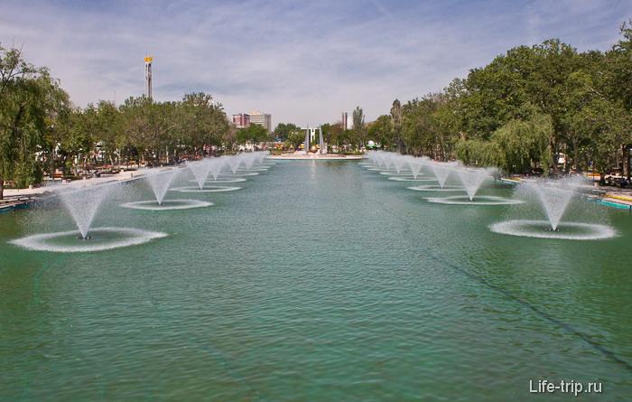 Парк в центре города Анкара.