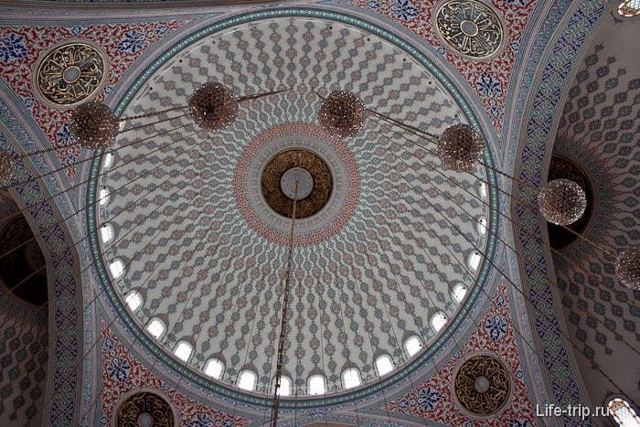 Мечеть Коджатепе в Анкаре. Турция.