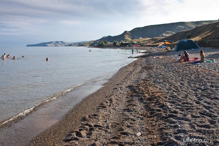 Пляж в Лисьей бухте. Крым.