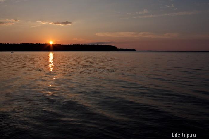 Закат. Озеро Волго.