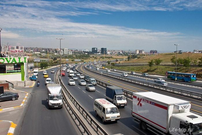 Рядом с аэропортом Ататюрк. Стамбул.