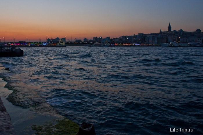 Пролиф Босфор. Стамбул.