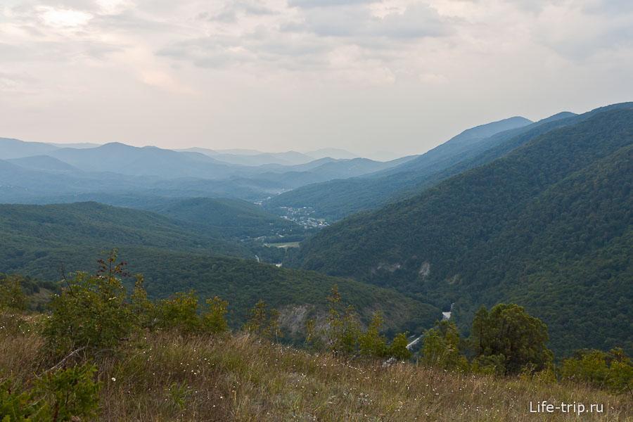 Вид на дорогу в сторону Сочи