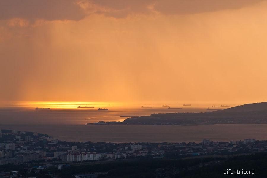 Закат над Геленджикской бухтой