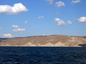 Поход по бухтам - вид с моря на РЛС-1