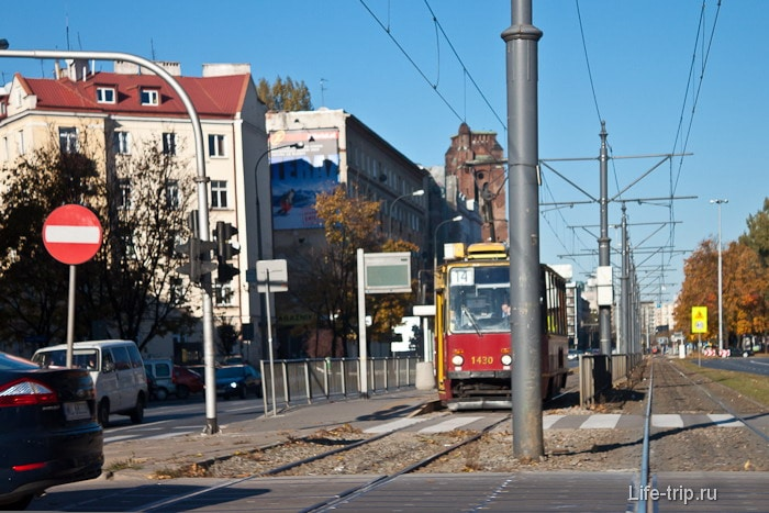 В городах Польша очень сильно напоминает Россию. Даже общественным транспортом