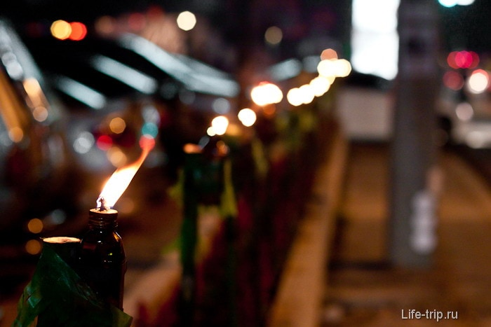 Свечи по всему Чианг маю
