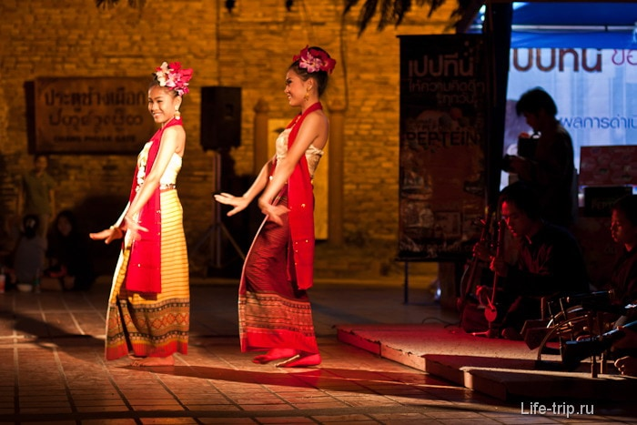 Танцы на общественных площадках