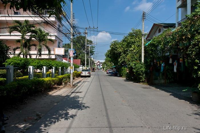 Отсутствие тротуаров на дороге