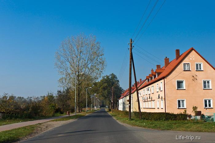 Чехия и домики с черепичной крышей