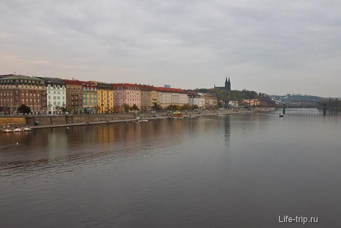 Старая Прага и почти питерская набережная