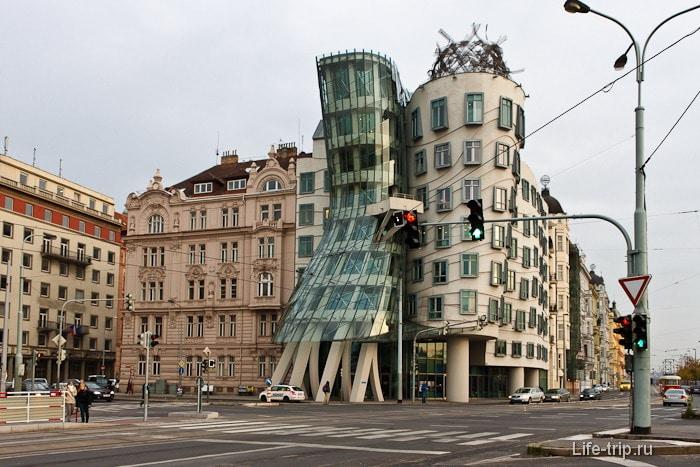 Необычное здание в центре Праги