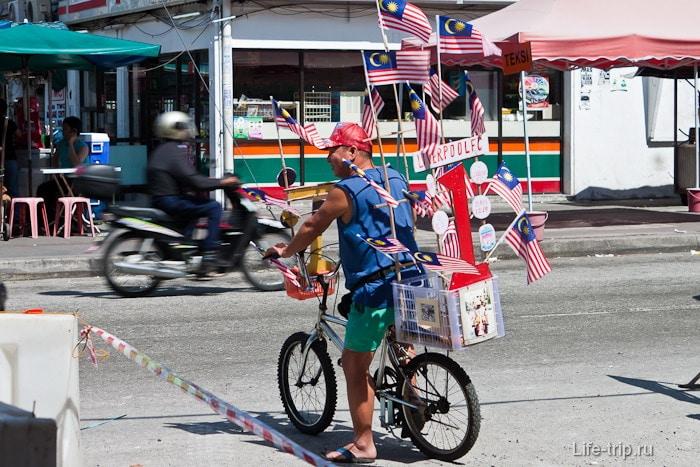 Встречают патриоты на улицах города