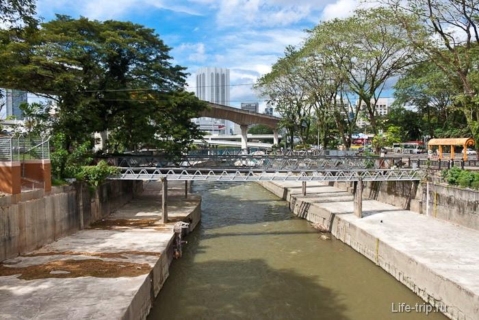 Река в центре города Куала-Лумпур
