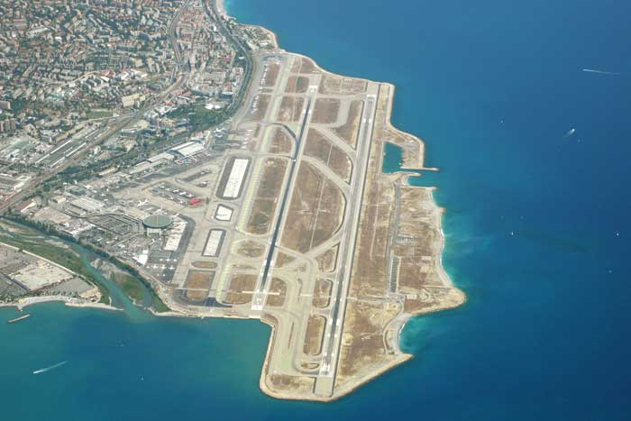 Аэропорт в Каннах