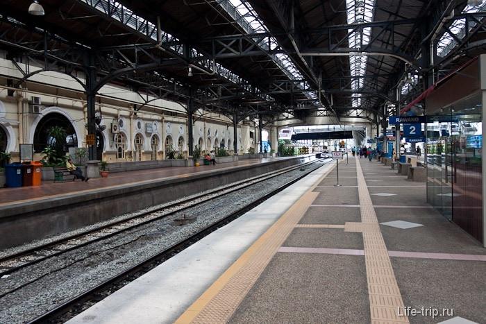 Платформа на станции KTM Komuter