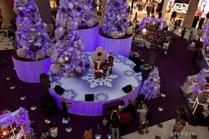 Новый год в торговом центре башен Петронас