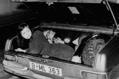 Так провозили людей через Берлинскую стену