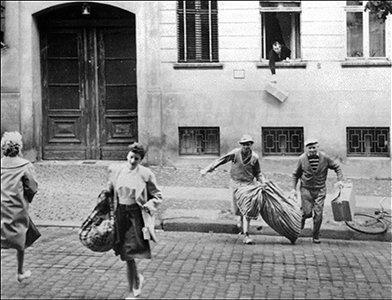 Первые побеги Жителей Восточного Берлина