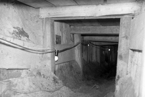 Туннель, по которому бежали десяти людей