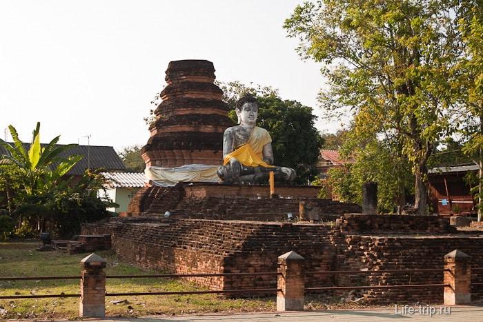 Древний Ват в Чианг Саен