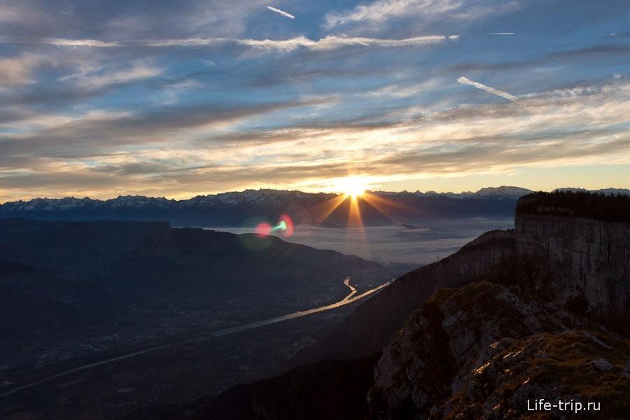 Рассвет в горах Гренобля