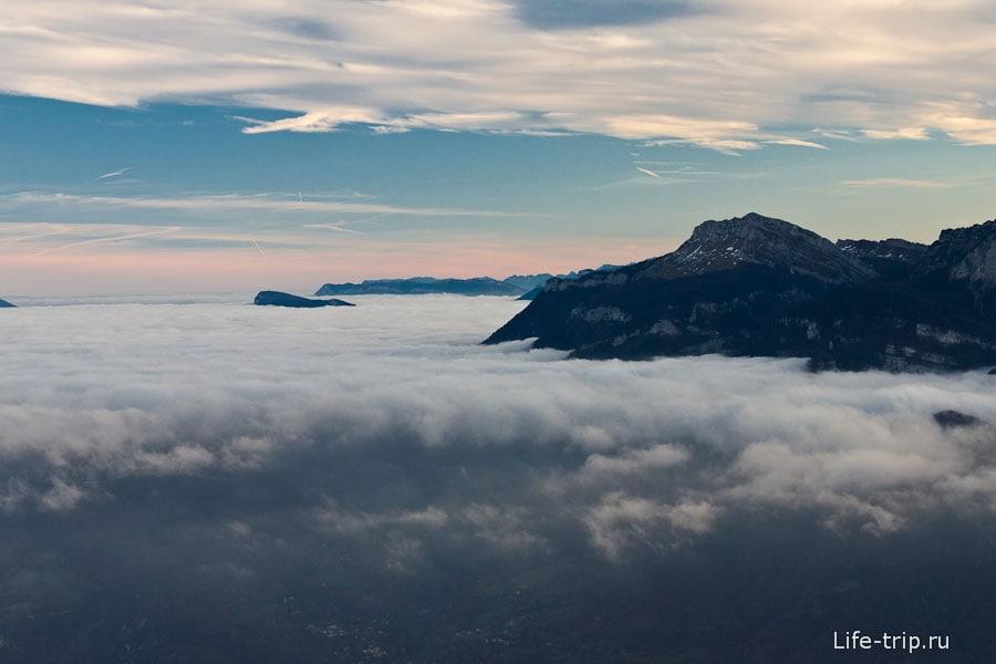 Горы, как острова в море облаков