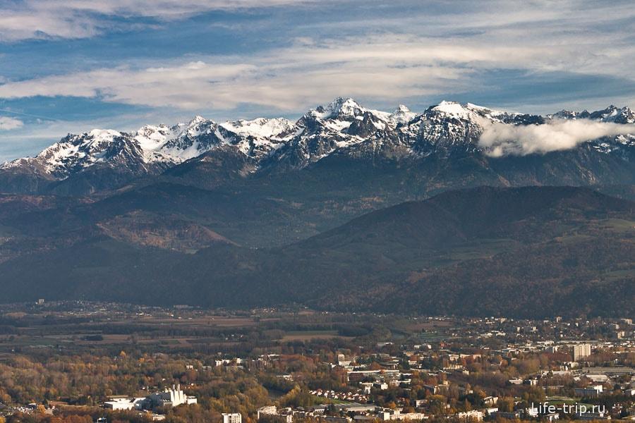 Горы Франции со второй смотровой Бастилии