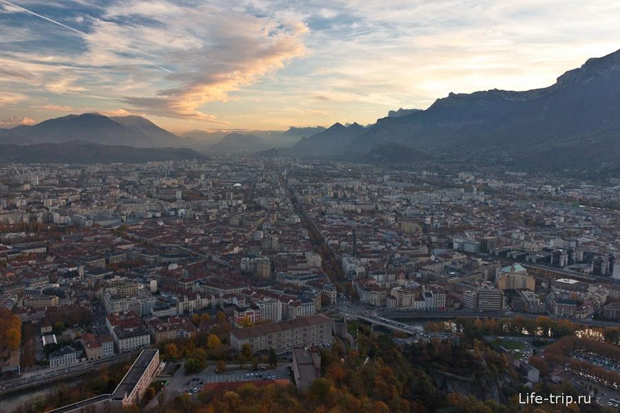 Вид из Бастилии, панорама Гренобля