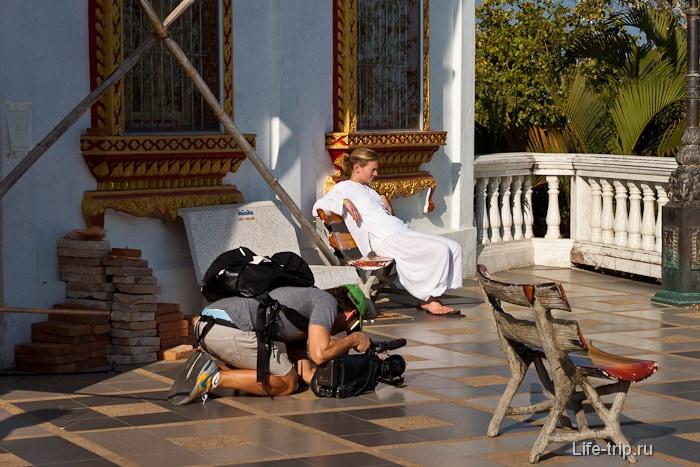 Турист с серьезной камерой