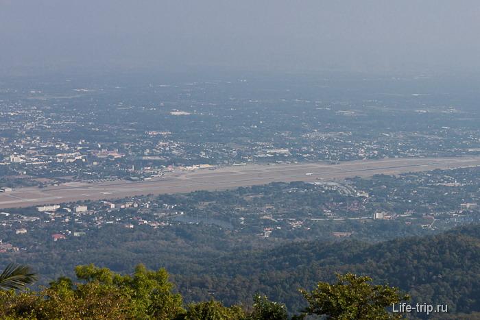 Вид с горы Doi Suthep в Чианг Май
