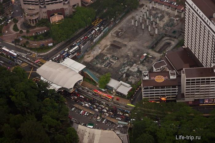 Станция монорельса в Куала Лумпур с высоты