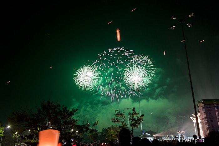 Салют в новогоднем Таиланде