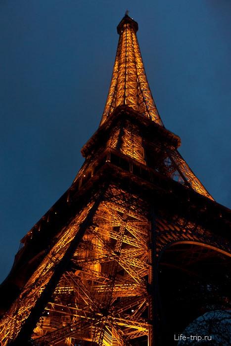 Эйфелевая башня - Париж