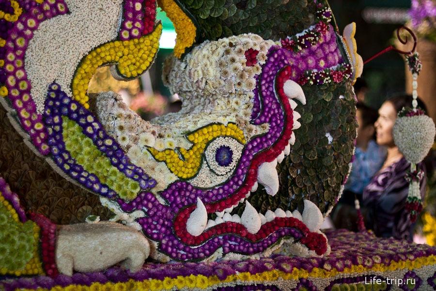 Фестиваль цветов в Чиангмай, цветочные фигуры