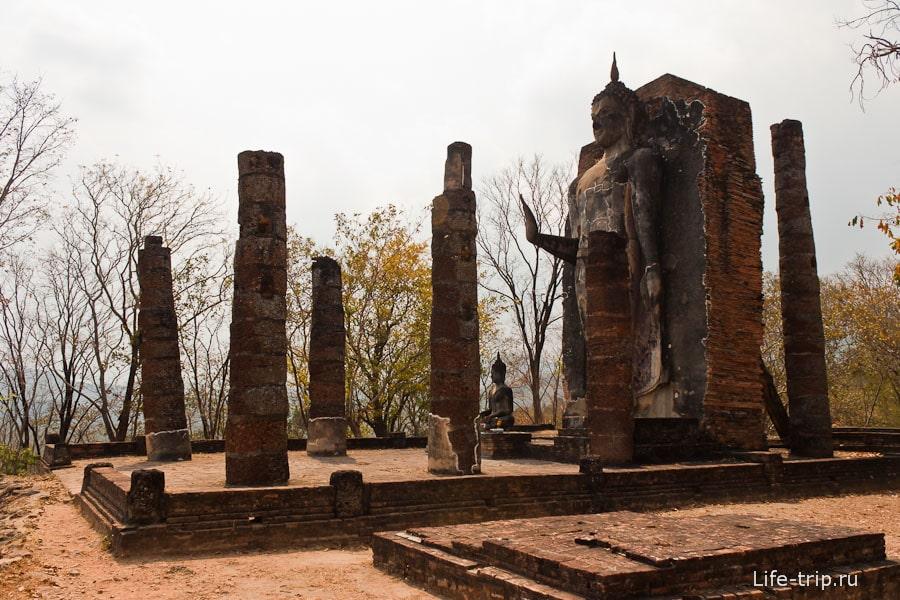 Wat Saphan Hin в Сукхотай