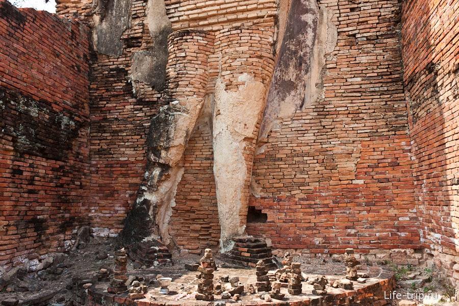Wat Phra Phai Luang - начинка Будды