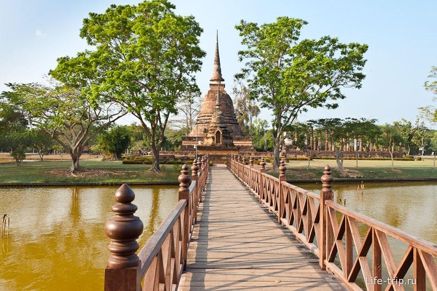 Wat Sa Si с сидячим Буддой