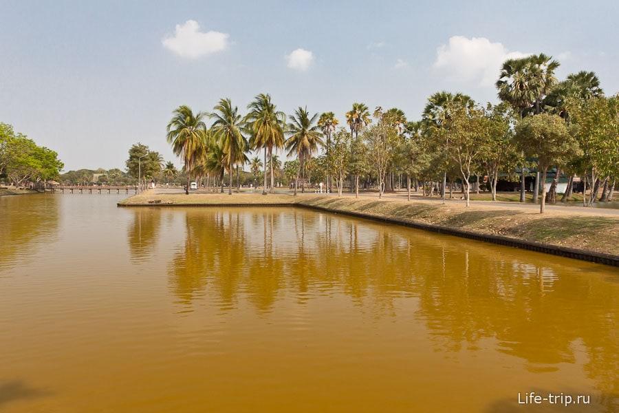 Центральная часть парка Сукхотай